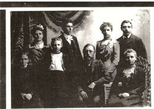 Herman Terstriep family prior to Christina Tenk Terstriep's death in 1909.