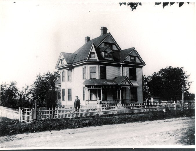Elias Chenoweth home in Table Grove.