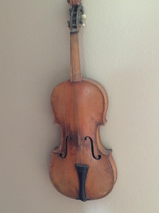 Elzie Chenoweth's fiddle